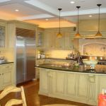 Hanging Pendant Lights Over Kitchen Island