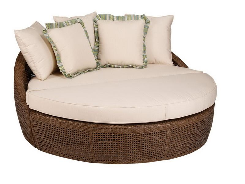 Lounging Chairs for Bedrooms