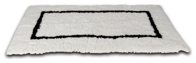 Black and White Bathroom Rugs