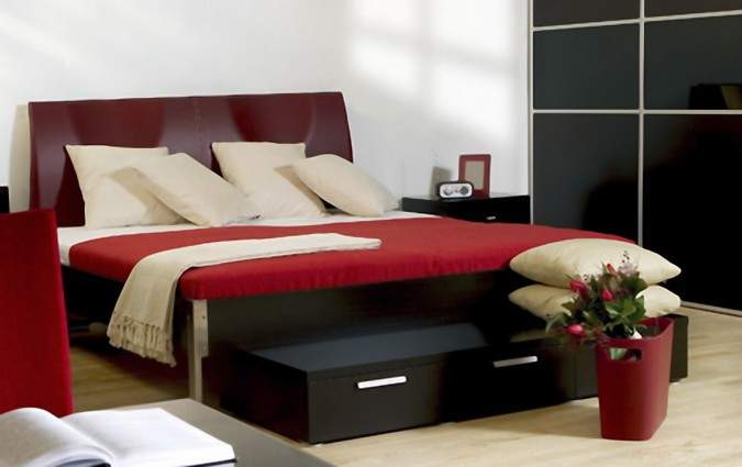 Red Black and White Bedroom Designs