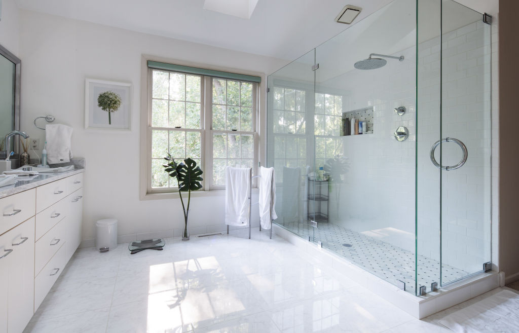 White Bathroom Design Ideas