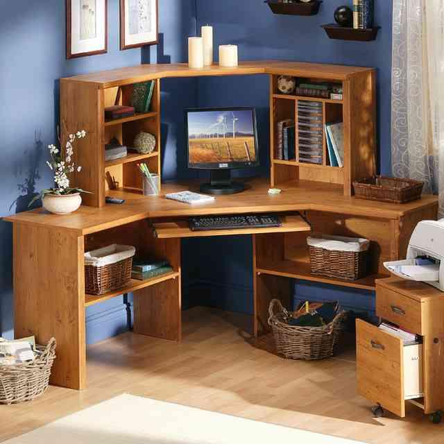 Kids Corner Desk with Hutch
