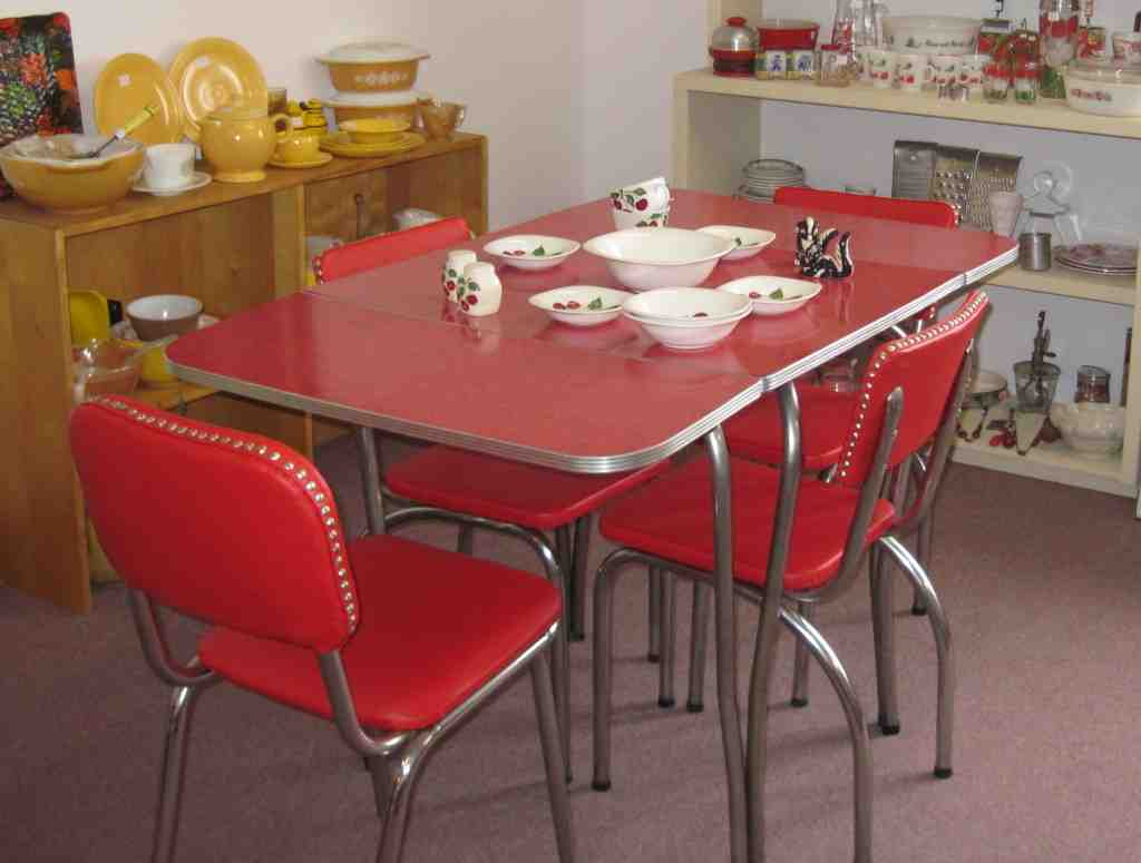 retro kitchen table and chairs set  decor ideas