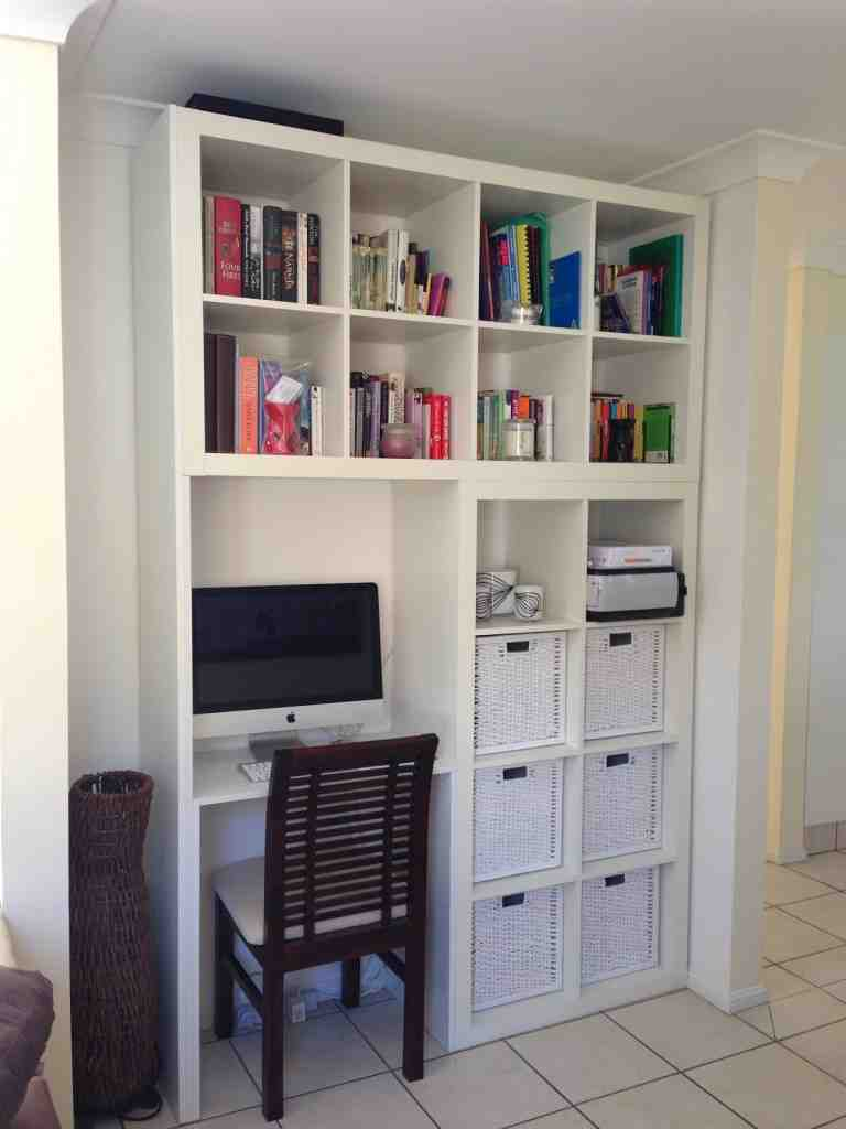 Computer Table With Bookshelf