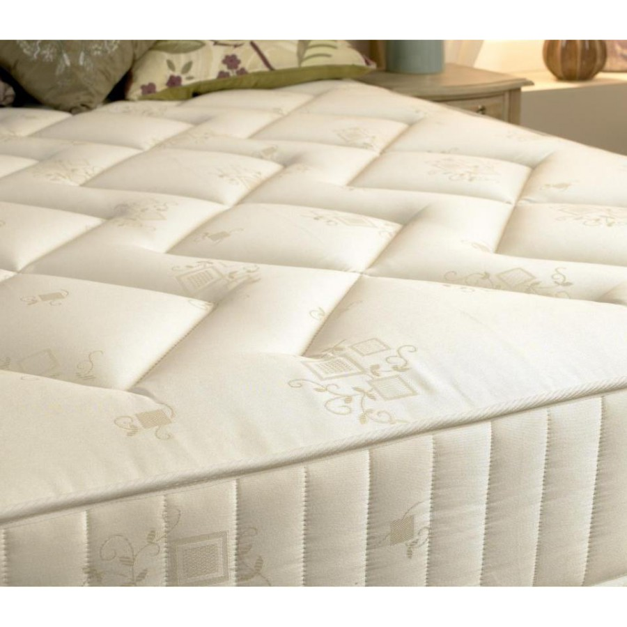 10 Ultra Small Bedrooms With King Size Beds: Ultra King Size Mattress
