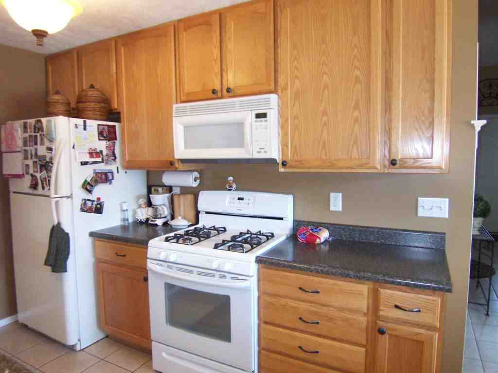 Kitchen Colors With Oak Cabinets And