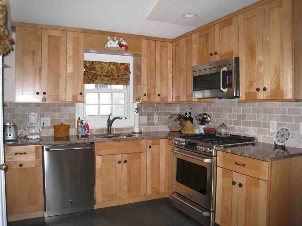 Natural Oak Kitchen Cabinets