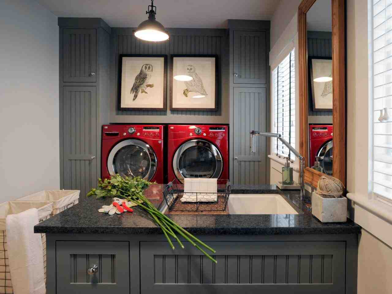Laundry Room in Garage Decorating Ideas - Decor Ideas