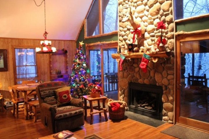 Cabin Christmas Decorations